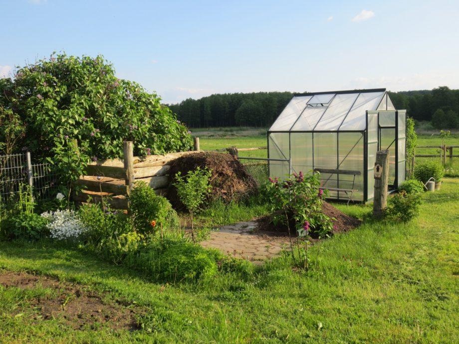 Waar plaats je een polytunnel in je tuin?