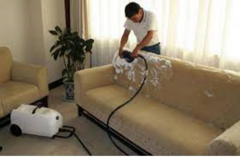 Een fauteuil desinfecteren: de gemakkelijke manier in 10 stappen